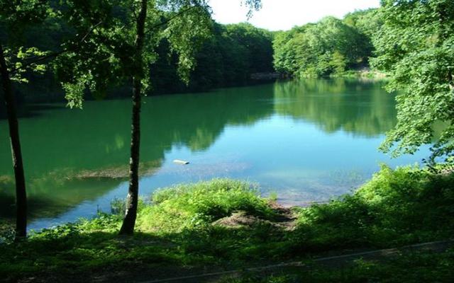 jezioroszmaragdowe_20111202_1005563023
