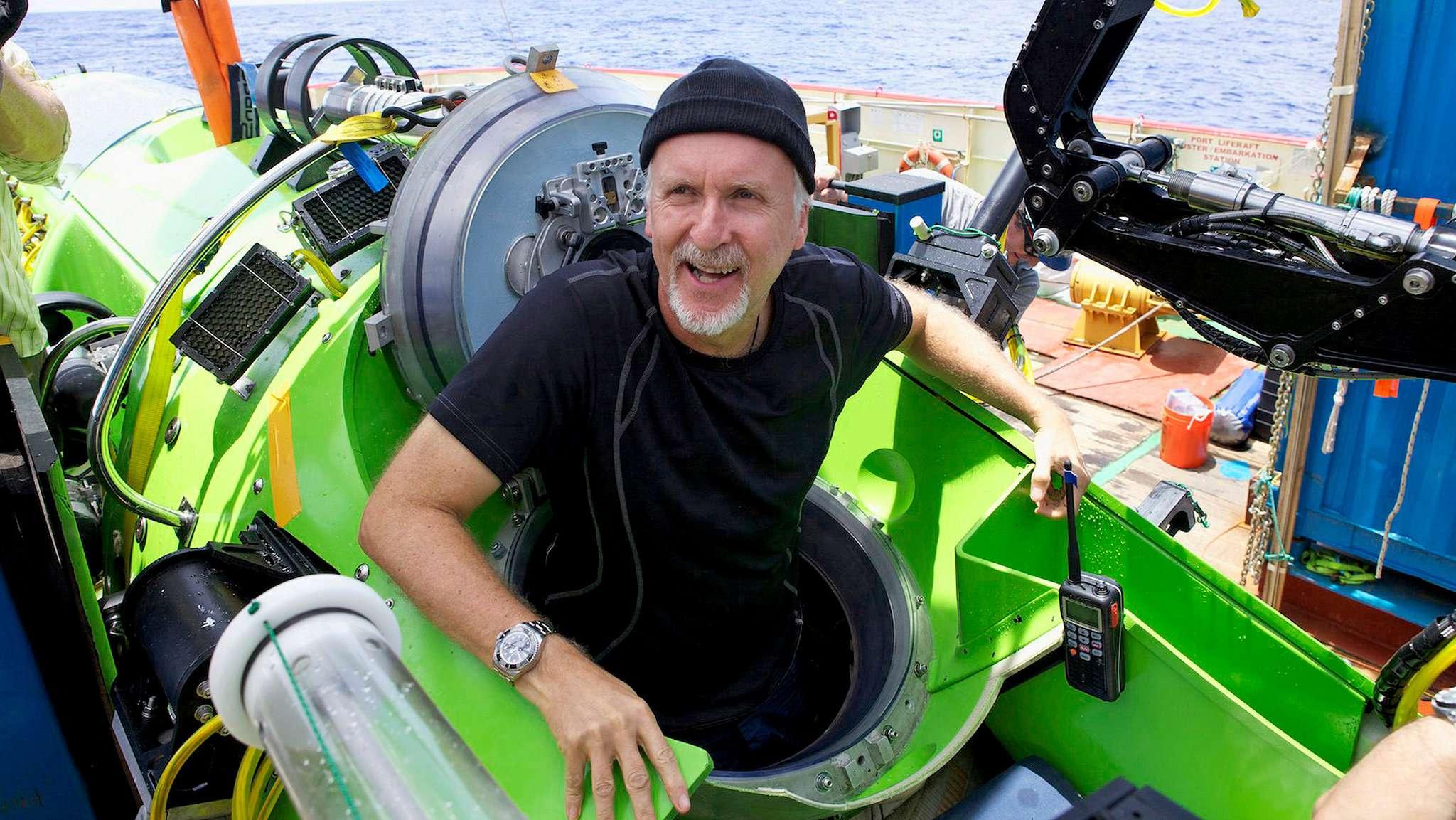 James Cameron po powrocie z Rowu Mariańskiego