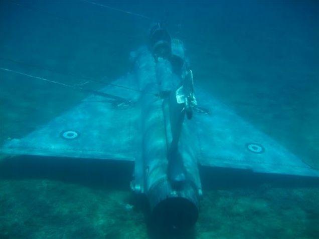 Myśliwiec Mirage na dnie morza