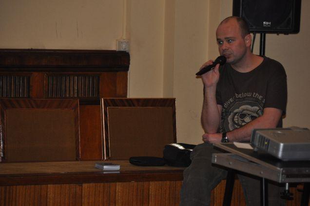 Marcin Chochorowski podczas wykładu