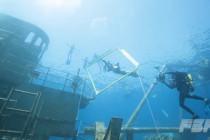 Wyścigi skuterowe freediverów na wraku USS Kittiewake