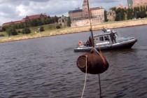 W Szczecinie wydobyto z Odry bombę
