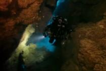 Nurkowanie w Moon Cave