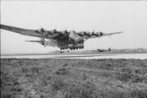 Wrak olbrzymiego samolotu z czasów II Wojny Światowej