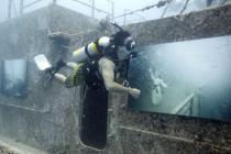 Podwodny wernisaż na wraku USS Hoyte S. Vandenberg