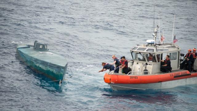 USA-Rekordowy-ładunek-8-ton-kokainy-o-wartości-181-mln-dolarów-na-mini-łodzi-podwodnej