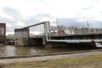 Kaliningrad: Olbrzymi sum atakuje nurków pracujących przy remoncie mostu