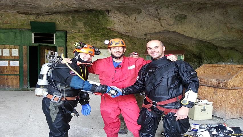 Uros, Robert i autor po połączeniu jeziorka z jaskinią Lazareva,fot.archiwum autora