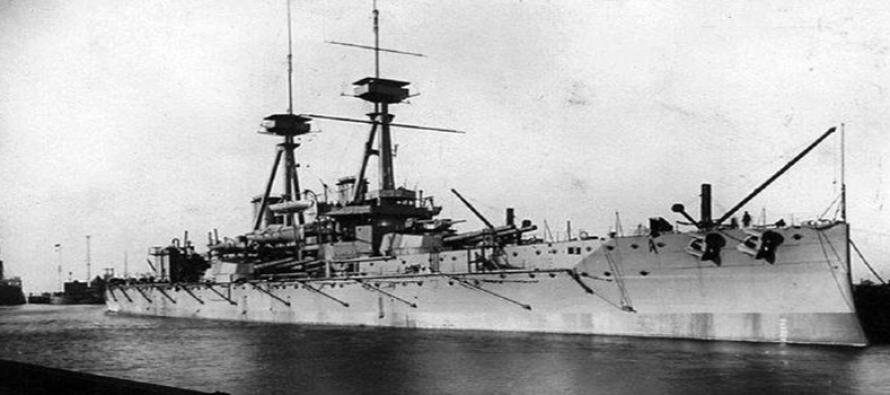 """Pierwsze podwodne zdjęcia wraku pancernika HMS """"Vanguard"""""""