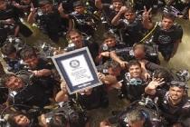 W Tajlandii ustanowiono nurkowy Rekord Guinnessa – video