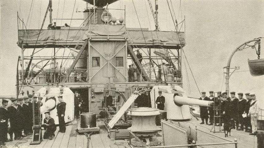 HMS_Hermes_(1898)_6-inch_guns
