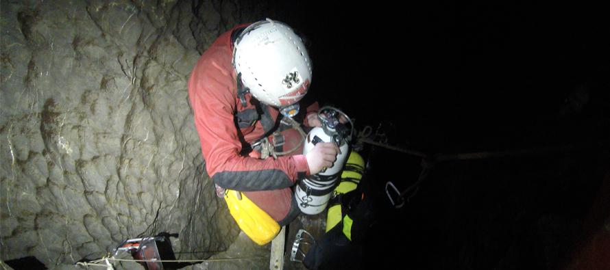 Nurkowanie w jaskiniach Tatr – trawers w jaskini Miętusiej – video