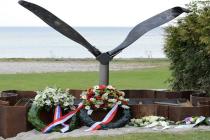 Holendrzy osuszyli fragment Morza Północnego, by wydobyć szczątki polskich lotników! – video