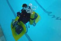 Niezwykły wózek dla niepełnosprawnych nurków – video