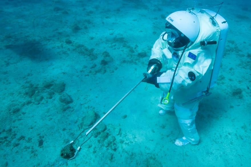 Underwater_sampling