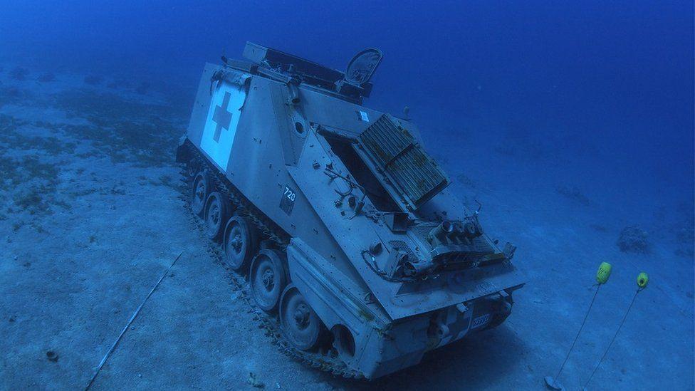Wojskowe pojazdy na dnie Zatoki Akaba