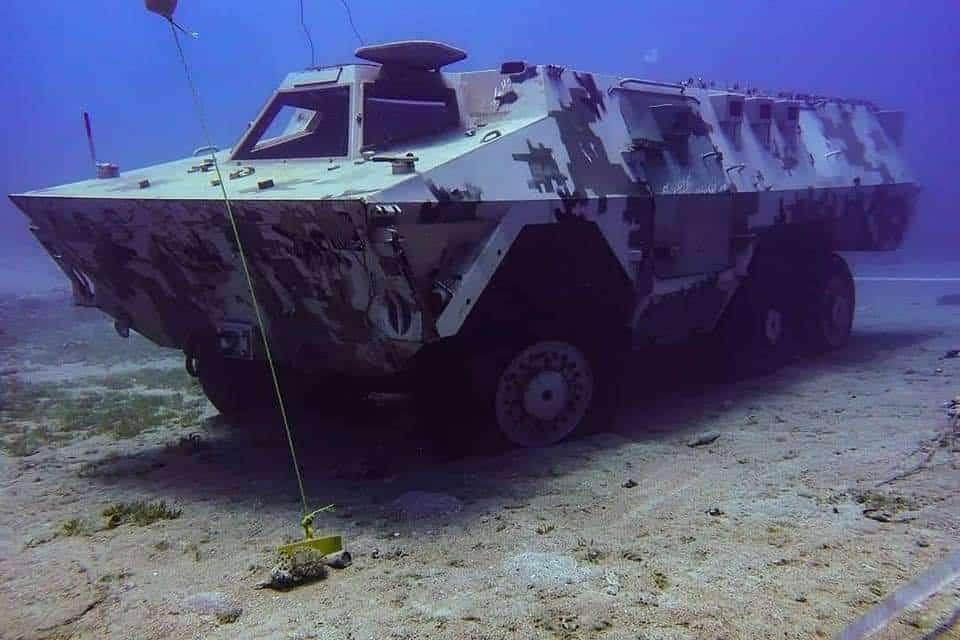 Opancerzony pojazd podwodne muzeum Jordania