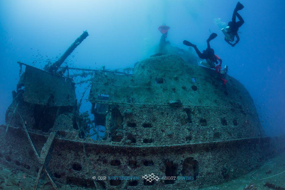 nurkowie usuwają sieci z kiosku HMS Perseus divers24.pl