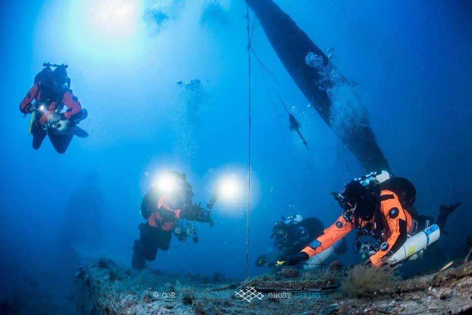 Usuwanie sieci z wraku HMS Perseus divers24.pl