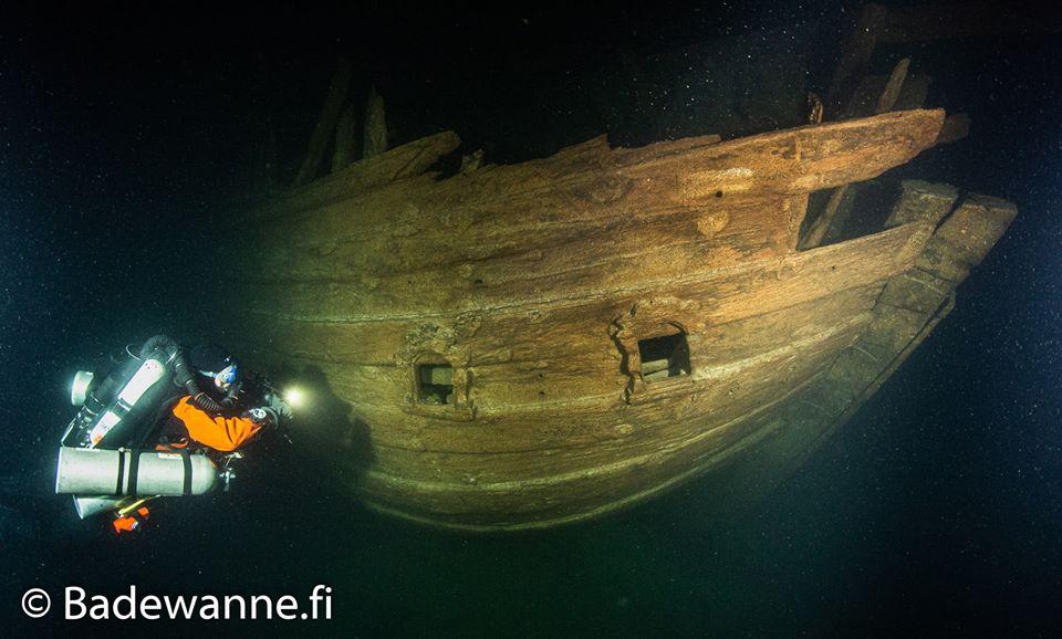 Nurek przy wraku Zatoka Fińska divers24.pl