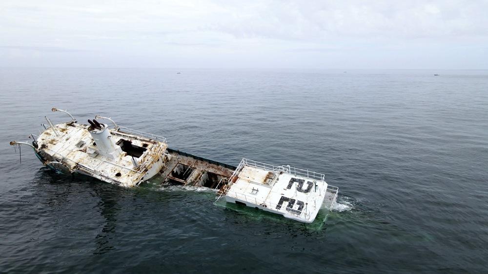 Reedville frachtowiec zatopiony w Delawere divers24.pl