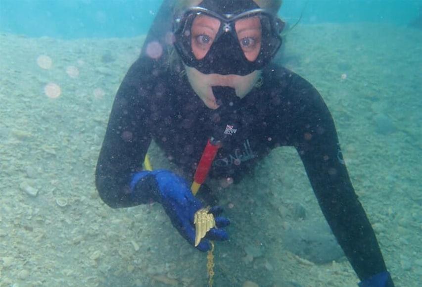 Nurek po odnalezieniu złotego skrzydła 1715fleetsociety divers24.pl