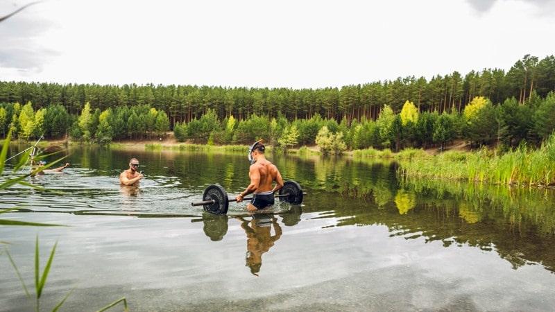 Trening w wyciskaniu pod wodą divers24.pl