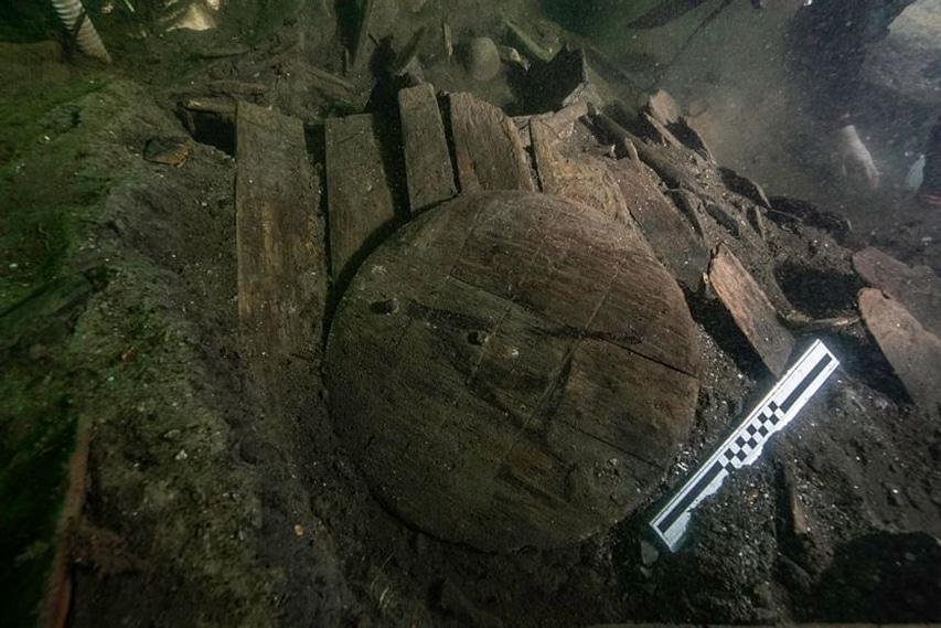 Eksploracja wraku z XV wieku divers24.pl