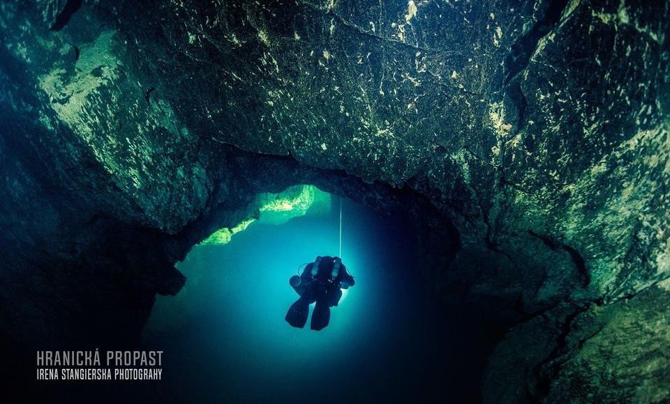 Najgłębsza zalana jaskinia Hranicka Propast divers24.pl