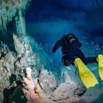 nurkowanie w jaskini płetwy hollis f1 lt divers24.pl