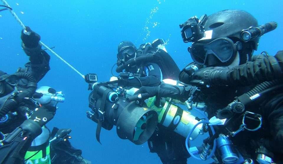 Zespół nurkowy na wraku USS Grenadier divers24.pl