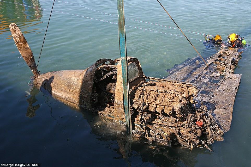 Myśliwiec Aircobra zatopiony w Morzu Czarnym