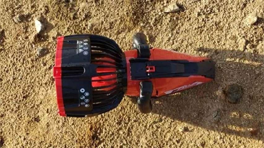 czerwony skuter nurkowy