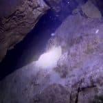 Nieznana jaskinia na dnie górskiego jeziora Rosja
