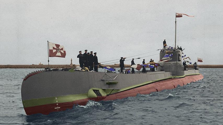 Kolorowe zdjęcie okrętu ORP Orzeł