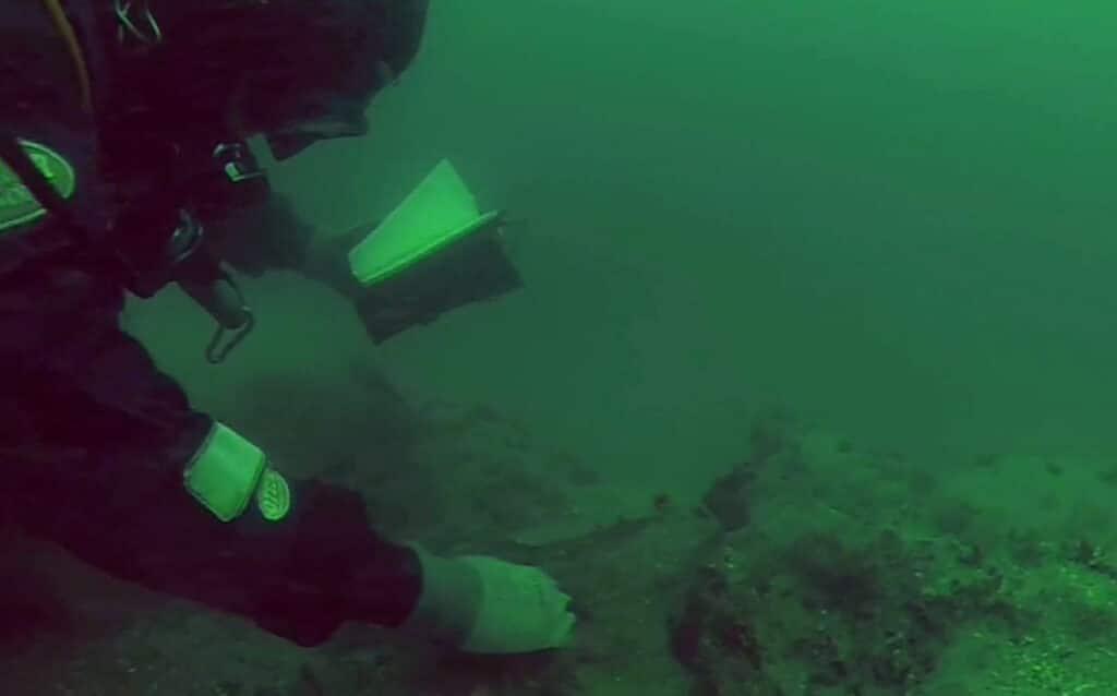 Archeolodzy dokumentują wrak HMS Apollo