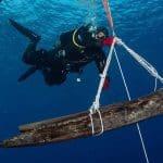 Archeolog podwodny podczas pracy