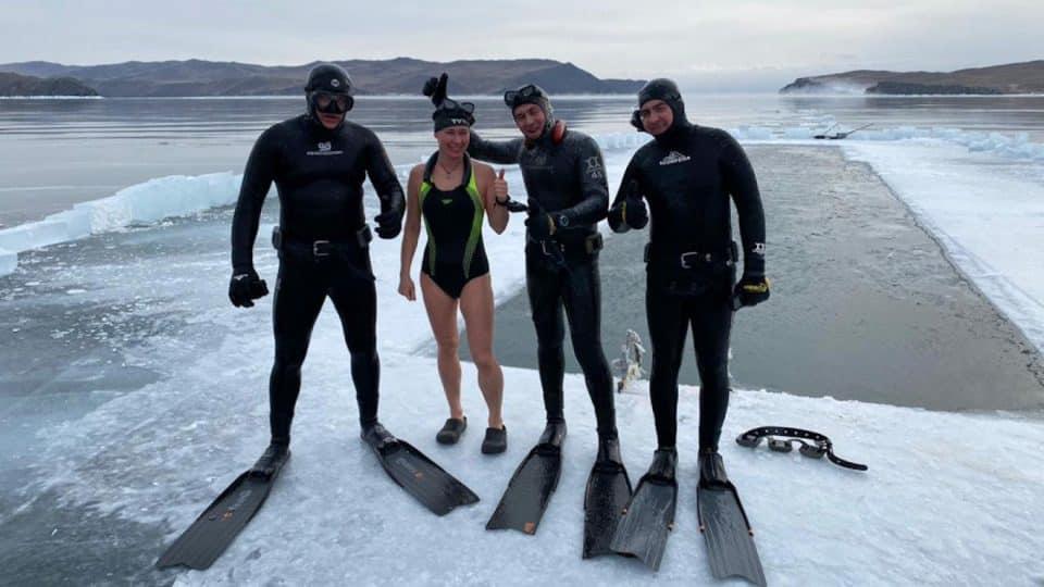 rekord Guinnessa freediving pod lodem