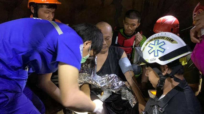 Akcja ratunkowa w zalanej jaskini