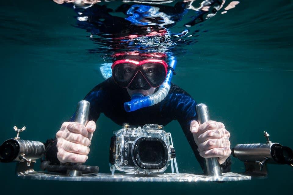 Freediver z kamerą Strażnicy oceanów