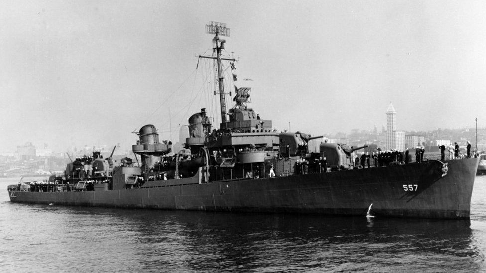 Historyczne zdjęcie okrętu USS Johnston