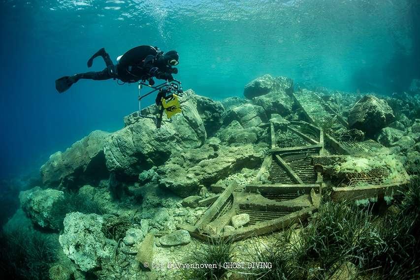 Zanieczyszczenia na dnie wybrzeża Itaki