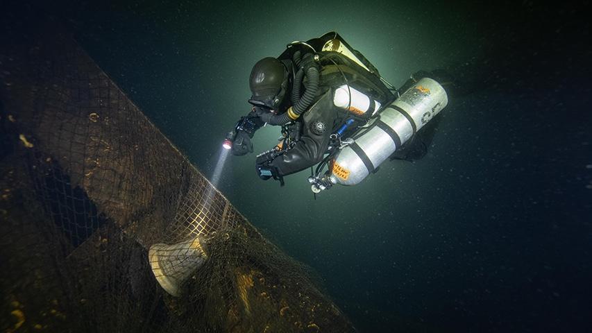 eksploracja wraku okrętu z II wojny światowej