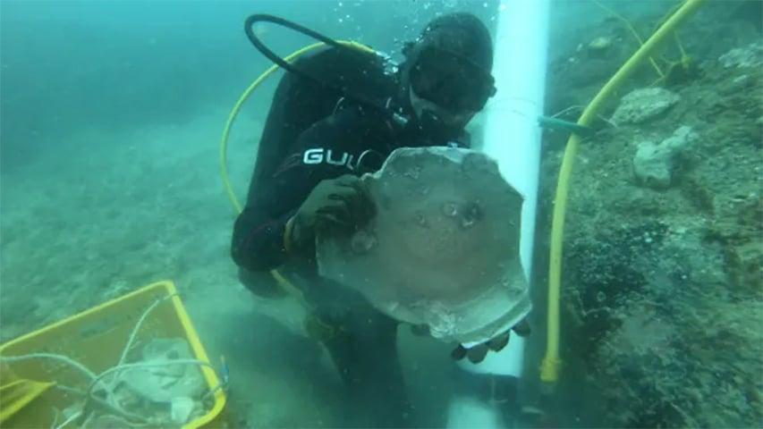 Archeolodzy podwodni wydobyli artefakty z dwóch wraków