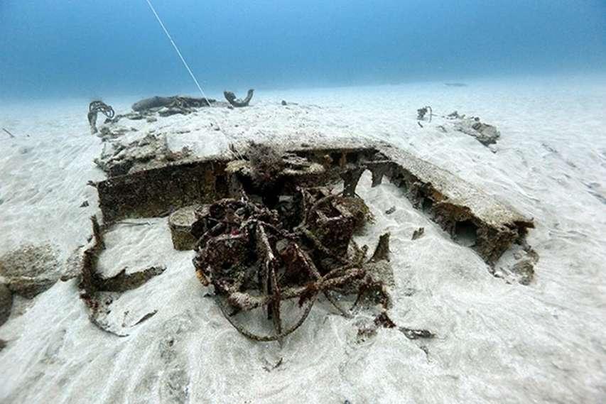 wrak bombowca odnaleziony na dnie morza