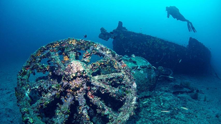 zatopiony okręt HMS Majestic
